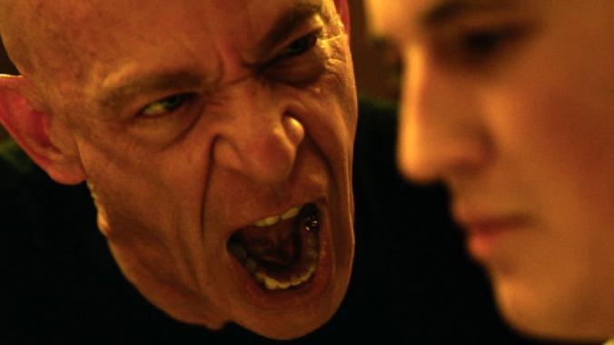 Terence Fletcher (J.K. Simmons) gritando a Andrew Neyman (Miles Teller)