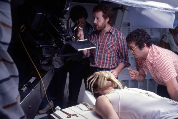Ridley Scott en el set de rodaje de Alien, el octavo pasajero. Foto: Bastr.com