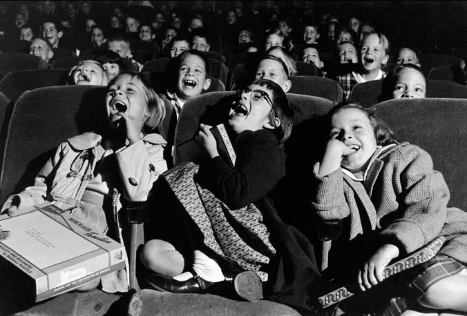Niños en el cine (1958). Fuente: Wayne Miller